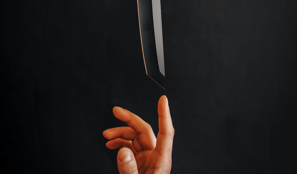 balancing sharp knife