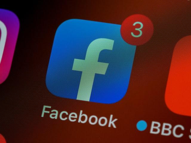 Facebook marketing icon app