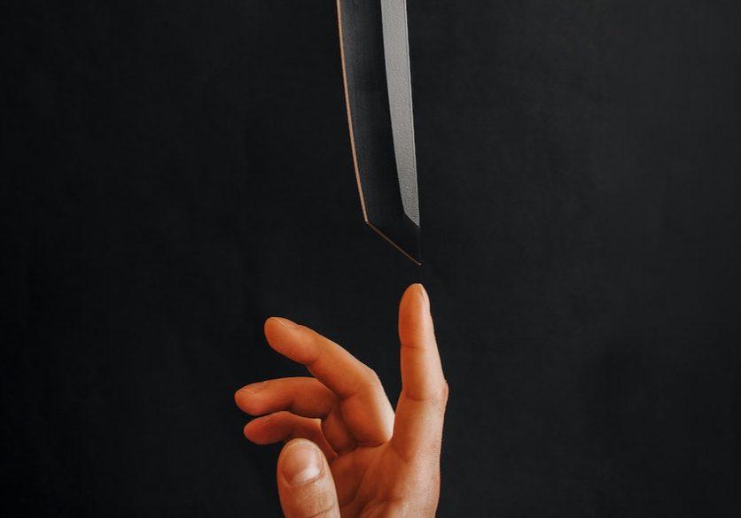 balancing sharp knife